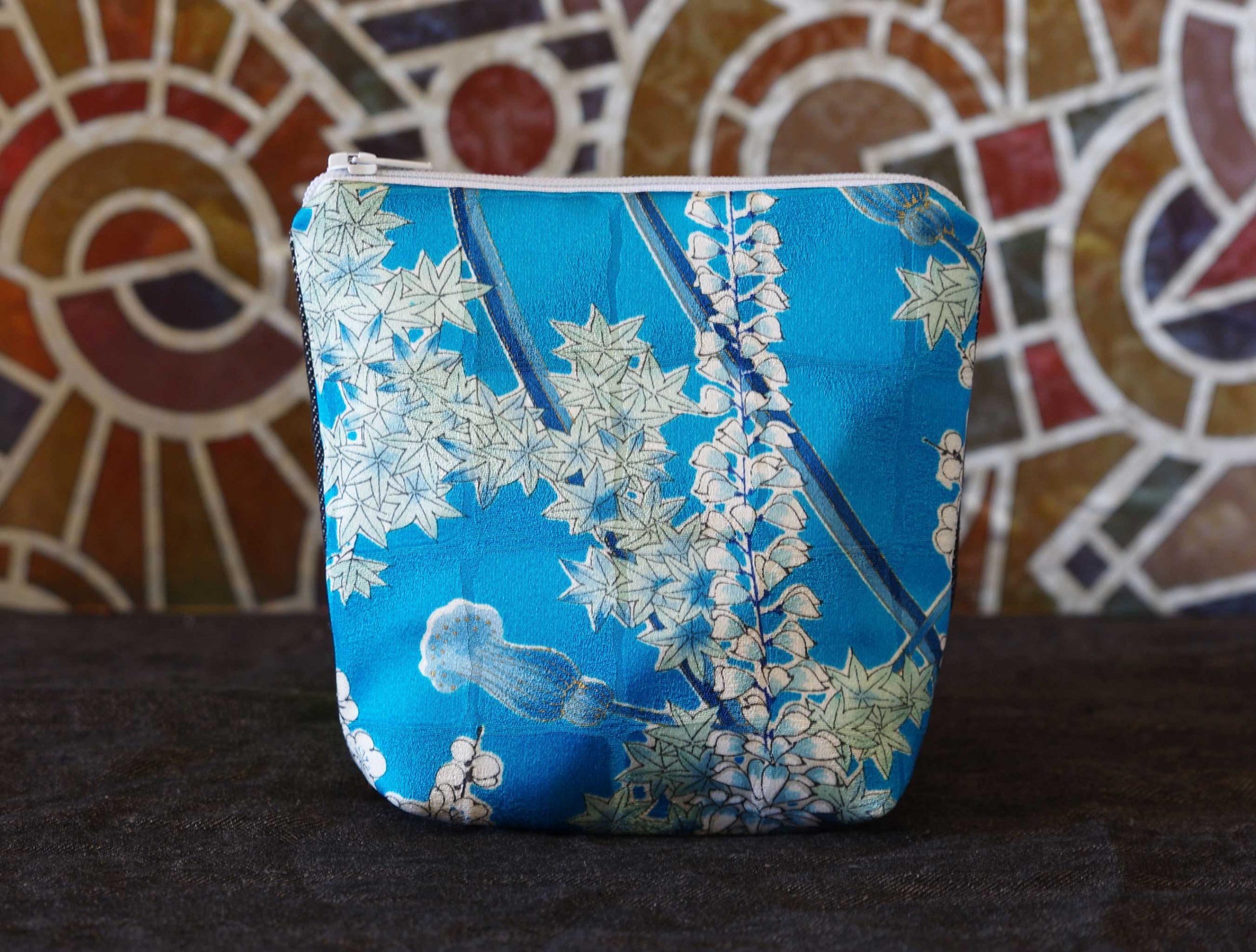 Kiku pouch in silk kimono vintage